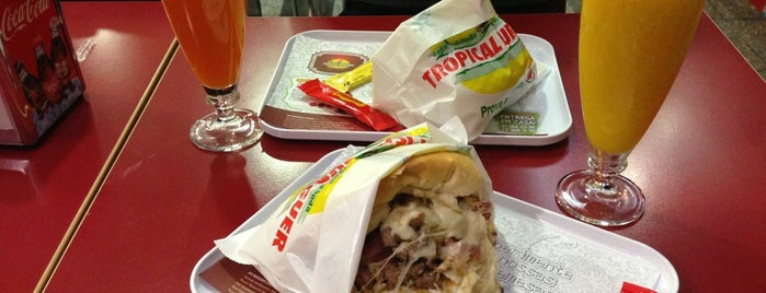 Porto Extremo - Onda Tropical Burger is one of Snack.