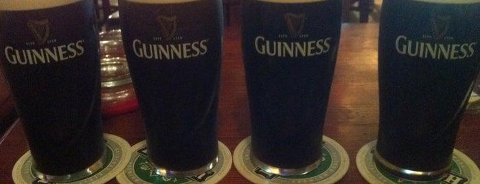 Greensleeves Irish Pub is one of Новгород.