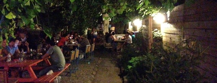 J'ai Bistrot is one of Chill places.