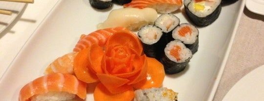 Temaki D'lux Sushi is one of Porto.