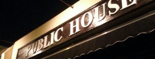 Public House is one of RESTAURANTES MEDELLIN.