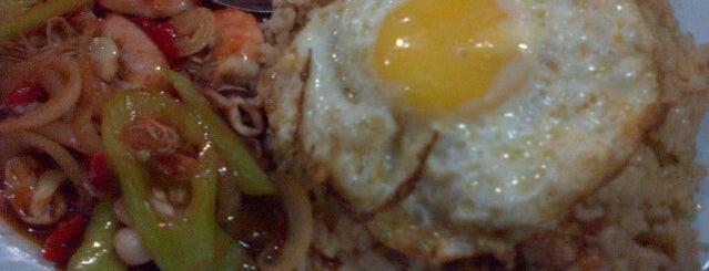 Kedai Makan Aziz Buffet is one of @Jeli, Kelantan.