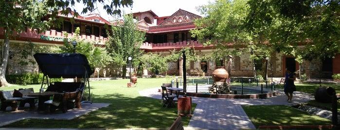 Manastır Mola Otel is one of Oteller.