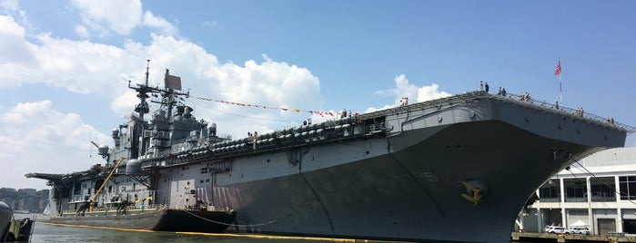 Intrepid Sea, Air & Space Museum is one of Bucket List Places.