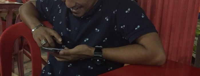 Yong Tau Foo Kg Melayu (Depan Pau Roslan) is one of Makan @ Melaka/N9/Johor #15.