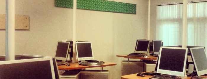 Internet Lounge Kampus D Universitas Gunadarma is one of Campus Explorer (Lokal).