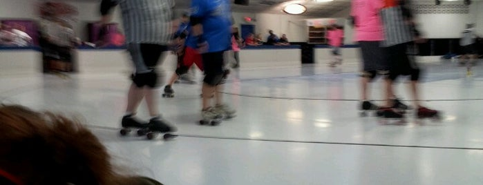 River Roll Skate Center is one of Favorite Arts & Entertainment.