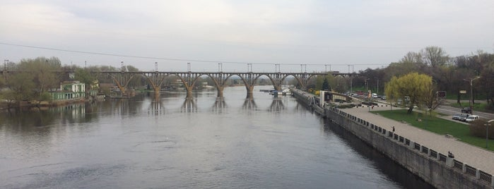 Мерефо-Херсонский мост is one of Днепропетровск.