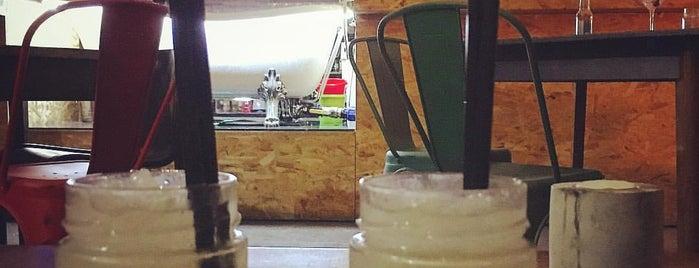 Recyclage Cafe is one of Aperitivi Cocktail bar e altro Brescia.