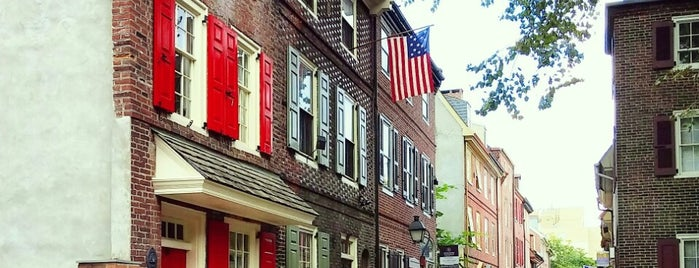 Elfreth's Alley Museum is one of Bucket List Places.