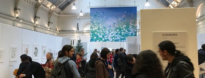 The Lindley Hall (Royal Horticultural Halls) is one of 주변장소5.