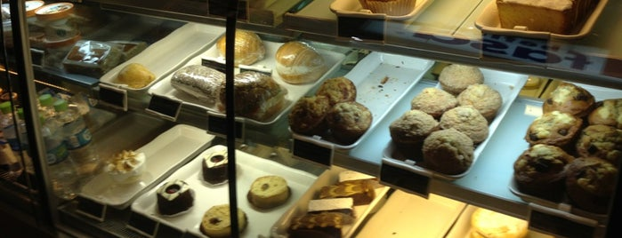 Starbucks Coffee is one of Guide to La Molina's best spots.