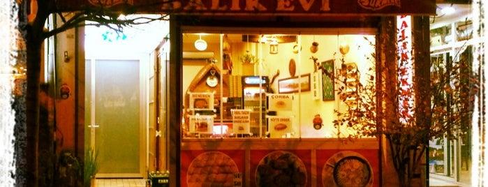 Sürmene Balık Evi is one of İstanbul.