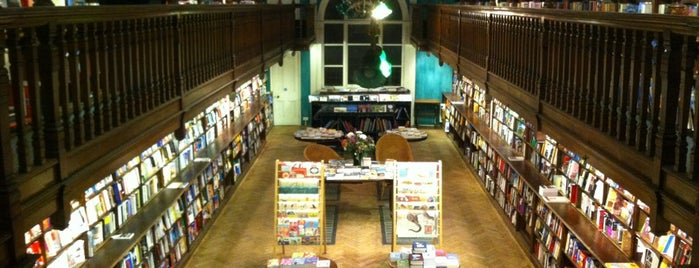 Daunt Books is one of Monocle 25/25.