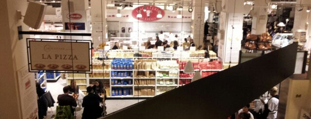 Il Pesce @ Eataly is one of Baruch eats.