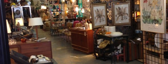 Lula Bu0027s Is One Of The 15 Best Thrift Stores And Vintage Shops In Dallas.