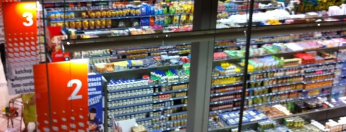 Supermercado Bravo is one of Fave's.