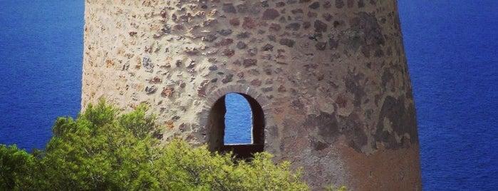 Torre de Caleta is one of Torres Almenaras en el Litoral de Andalucía.