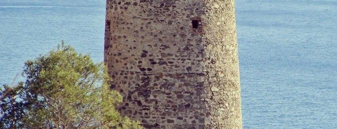 Torre del Pino is one of Torres Almenaras en el Litoral de Andalucía.