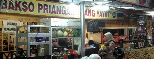 """Bakso Priangan """"Mang Yayat"""" is one of Kuliner Malang."""