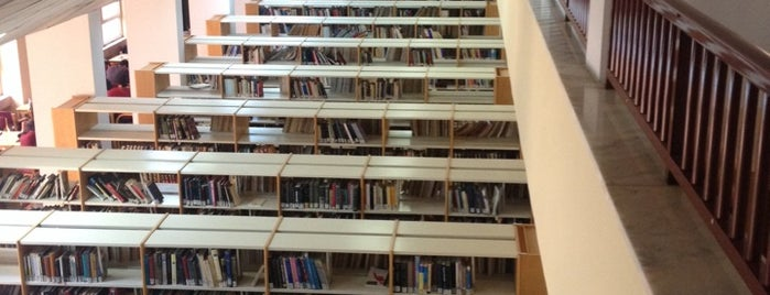 Merkez Kütüphane is one of Veni Vidi Vici İzmir 1.