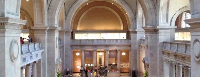 Museo Metropolitano de Arte is one of New York.