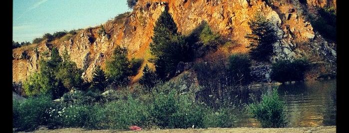 Tajnej Lom is one of Doly, lomy, jeskyně (CZ).