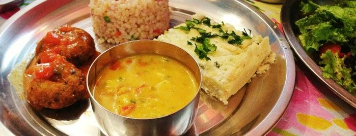 Veggie Govinda is one of Restaurantes & Centro.