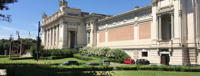 Galleria Nazionale d'Arte Moderna is one of 101 cose da fare a Roma almeno 1 volta nella vita.
