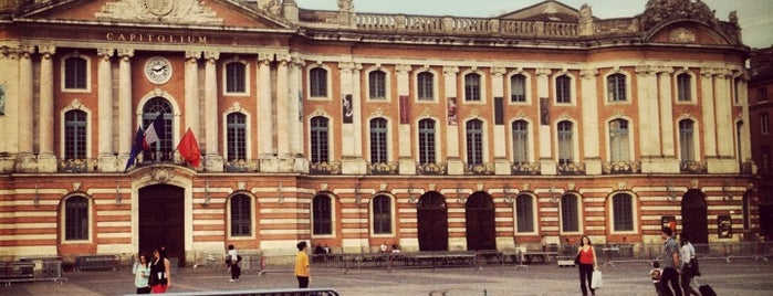 Hôtel de Ville de Toulouse (Capitole) is one of Découverte.