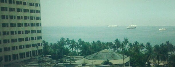 New World Manila Bay Hotel is one of Hotels Round The World.