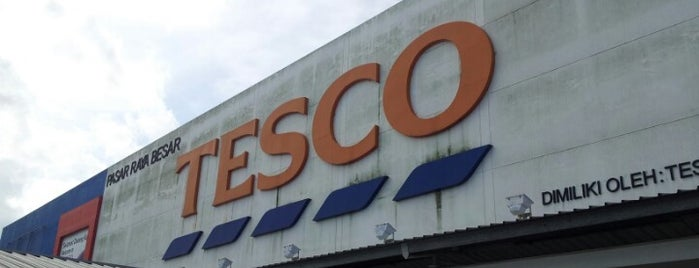 Tesco Extra is one of Shopping Paradise.