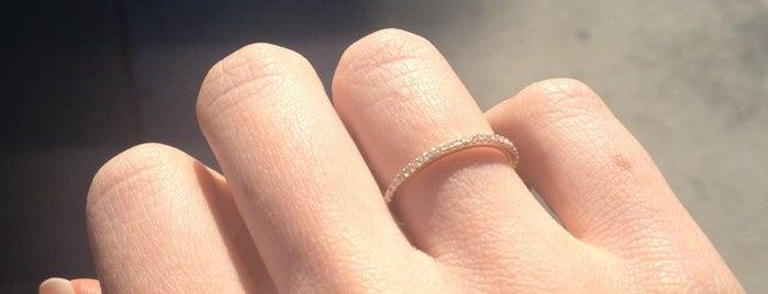 Xiv Karats Ltd Is One Of The 15 Best Jewelry S In Los Angeles