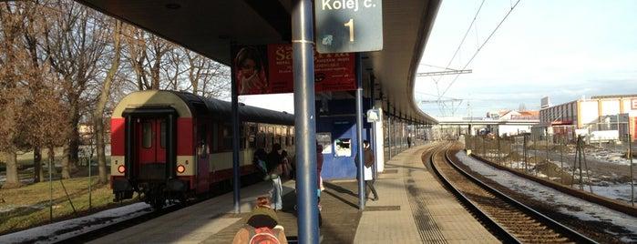 Železniční zastávka Ostrava-Stodolní is one of Linka S1/R1 ODIS Opava východ - Český Těšín.