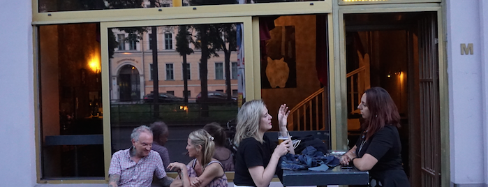Melloch Bar is one of Must Do Berlin.