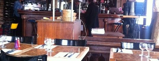 L'Abribus Café is one of Bars / Pubs.