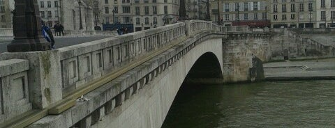 Pont de la Tournelle is one of Paris.