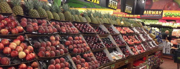 Fairway Market is one of Frequent places.