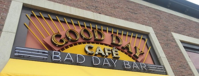 Good Day Café Bad Day Bar is one of Out-of-Towners' Guide to Minneapolis - 2015.
