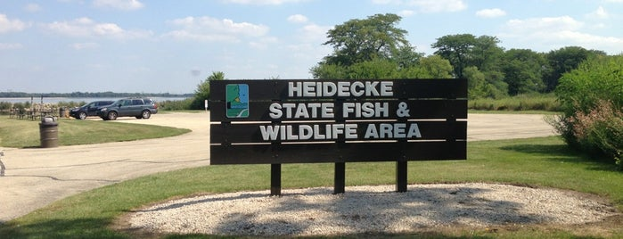 Heidecke Lake is one of Illinois: State and National Parks.