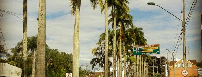 Blumenau is one of Lugares que já dei checkin.