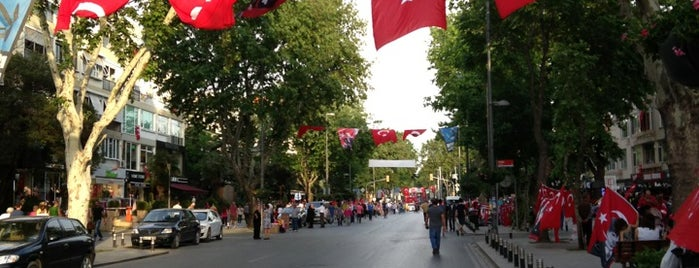 Bağdat Avenue is one of The places I love in Türkiye.
