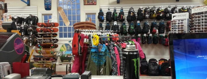 The Surf Shop is one of SNOWBOARD SHOPS.