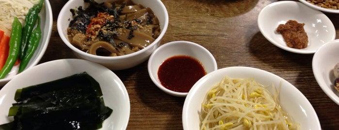 백합꾸이 is one of 대구 Daegu 맛집.