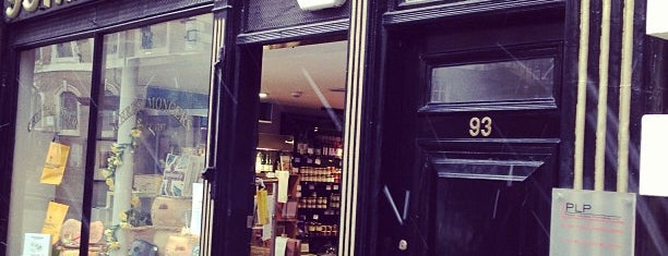 Paxton & Whitfield is one of HFA in London: Delicatessen.