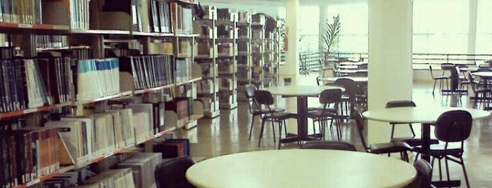 Biblioteca - PUC Minas is one of Hotspots WIFI Poços de Caldas.