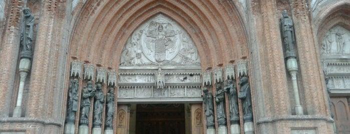 Catedral Metropolitana de La Plata - Inmaculada Concepción is one of Favoritos.