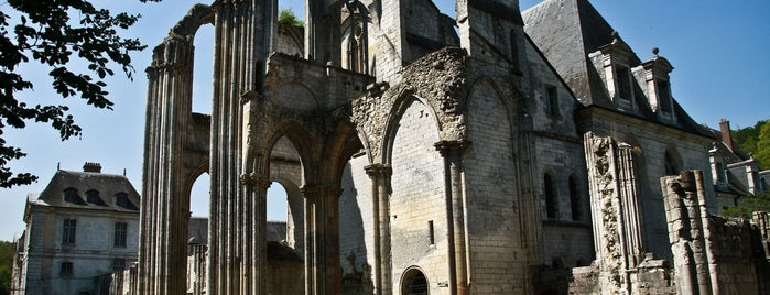 Abbaye Saint-Wandrille is one of Recommandations.