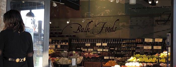 Vintage Grocers is one of Retailers.