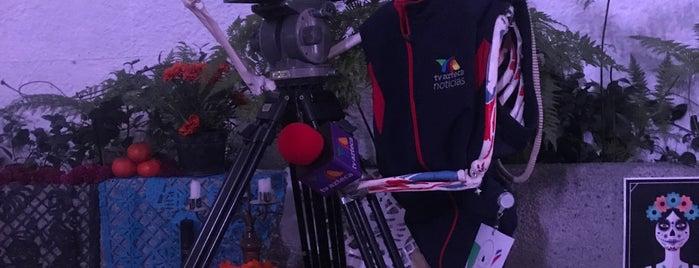 TV Azteca is one of Medios del DF.